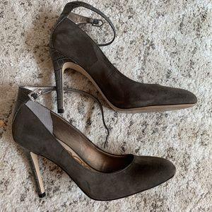 Gorgeous Sam Edelman suede high heel pumps
